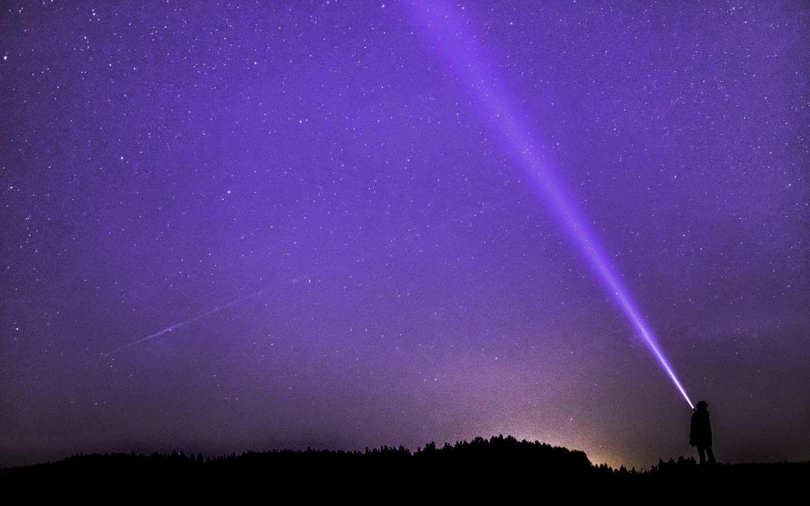 In klaren Nächten wird der Himmel fernab der hellen Stadt zum Galaxie-Schauspiel.