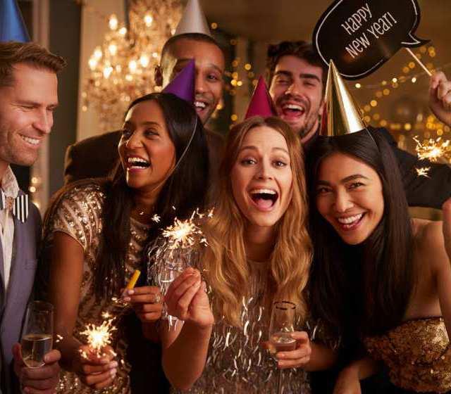 Am 31. Dezember heißt es alljährlich: Hoch die Tassen!
